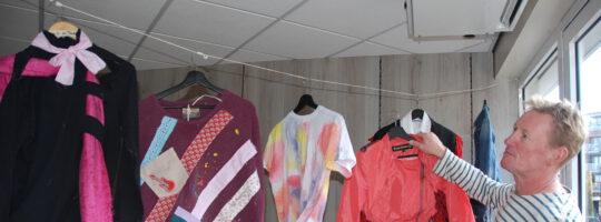 Afbeelding voor Bonte verzameling bijzondere kledingstukken in het Keizerserf